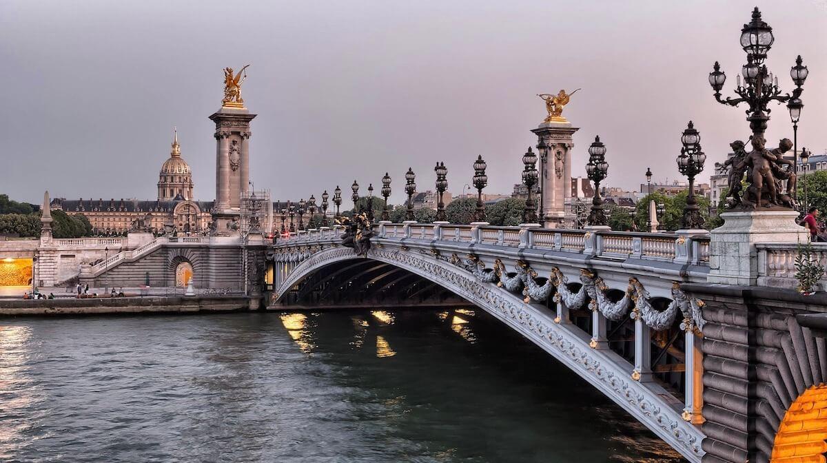 Live in Paris as an expat
