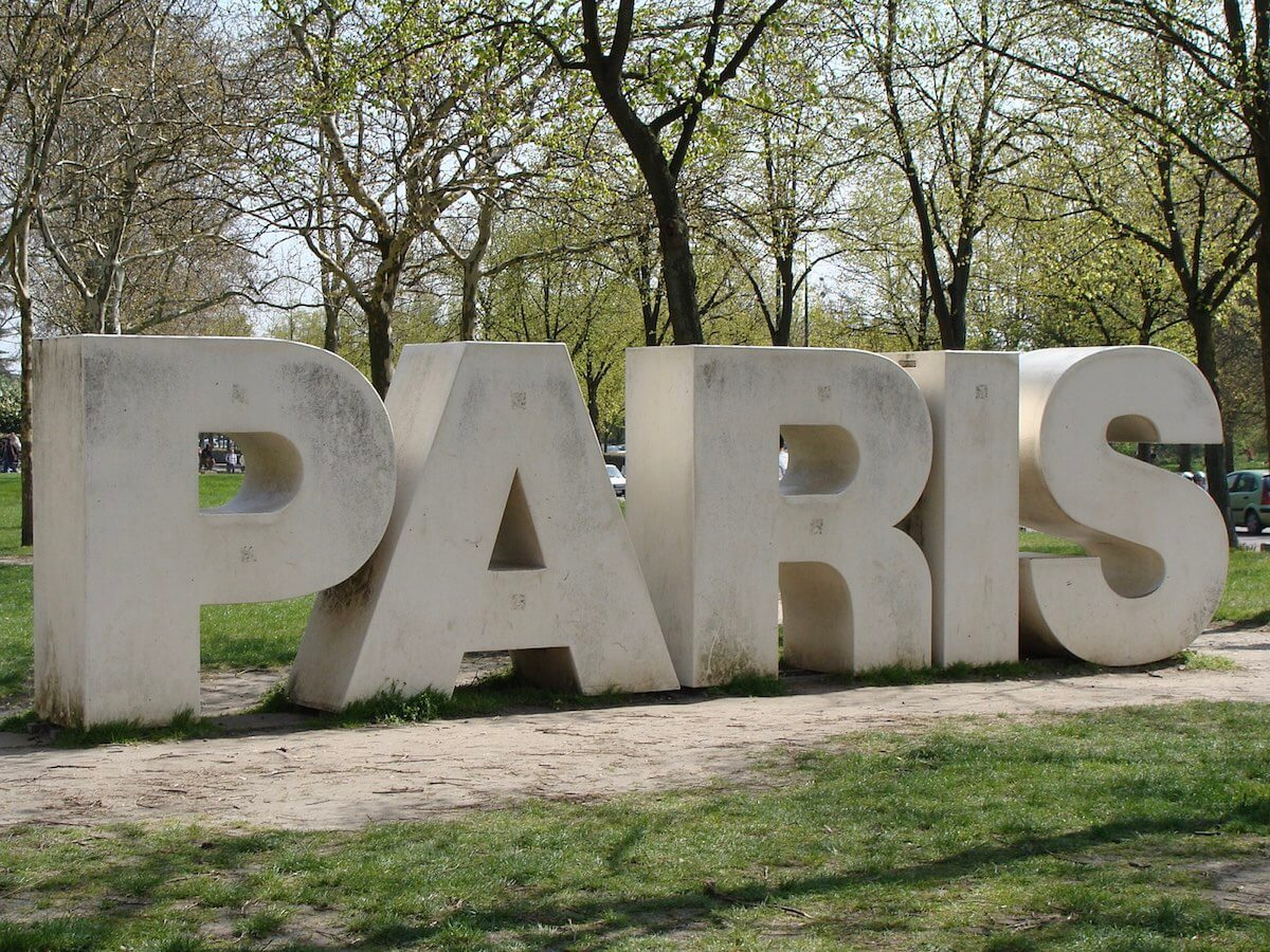 bad things about living in Paris